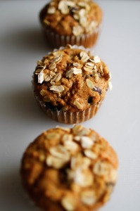 morning glory muffins with oat topping