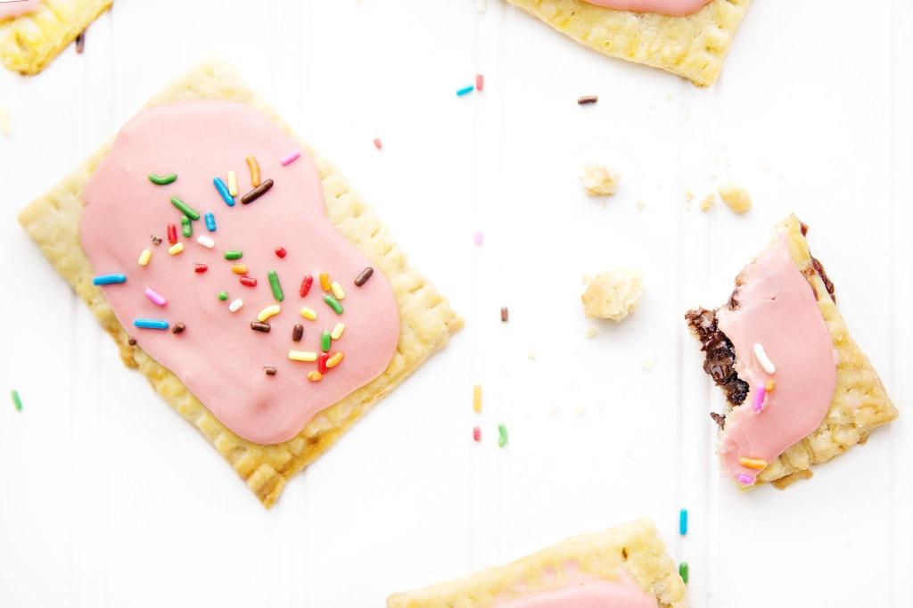 Strawberry nutella poptarts! | via Broma Bakery | #nutella #poptarts