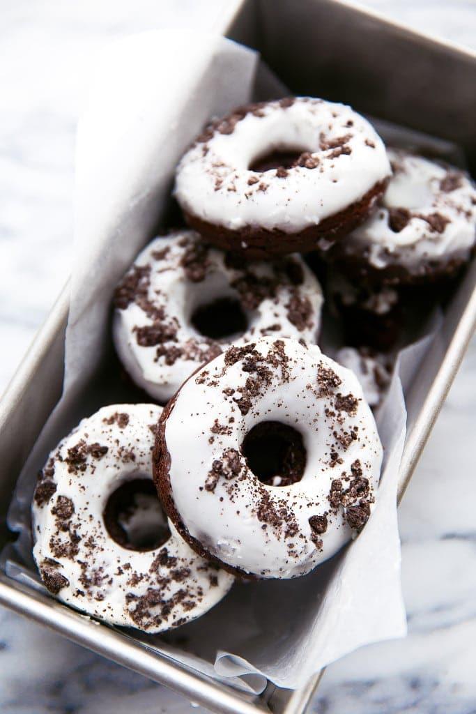 oreo donuts in baking pan