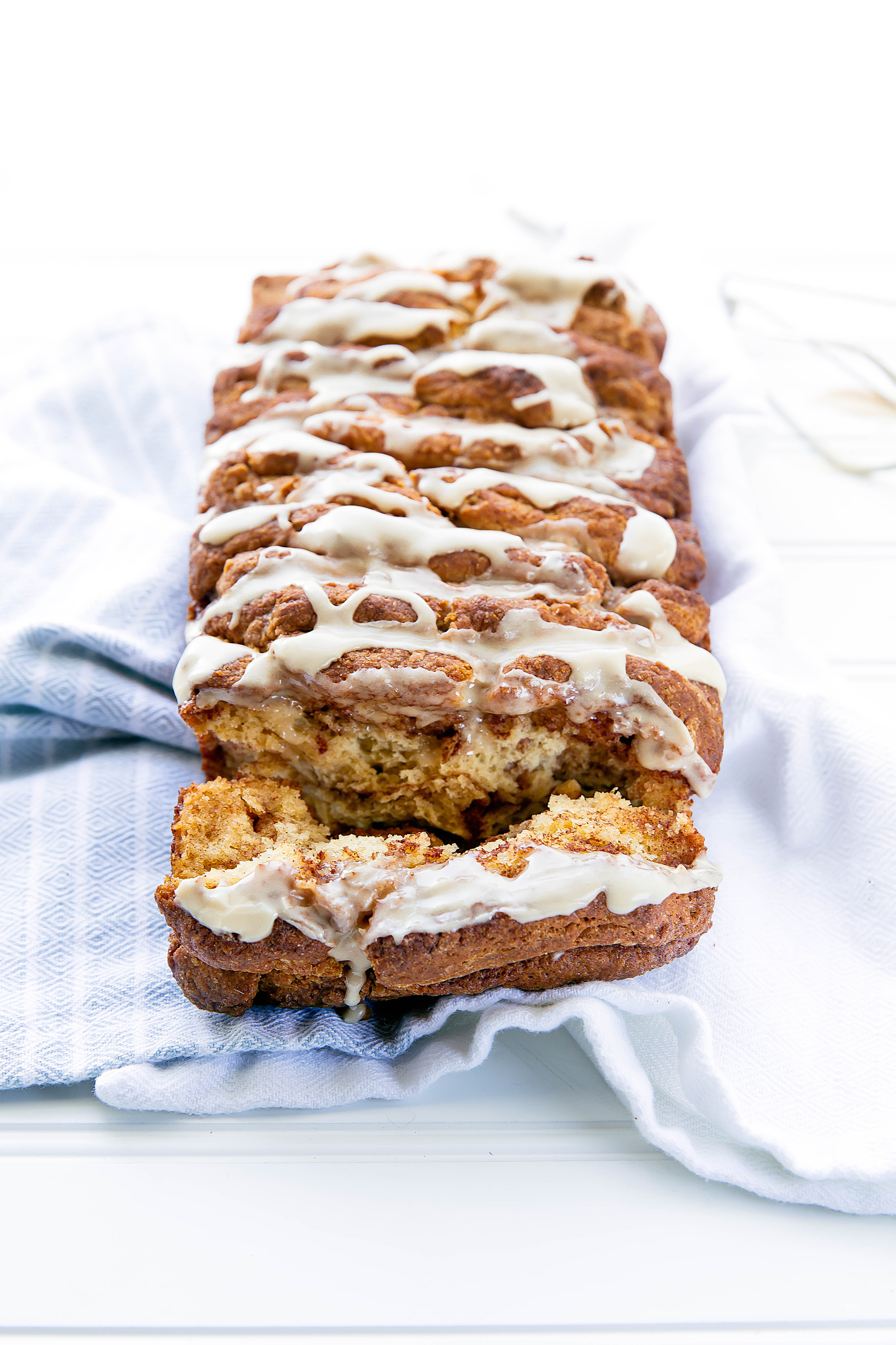 This French Toast Scone Bread packs warm cinnamon, vanilla, and hints of maple in a fluffy pull-apart loaf. Breakfast just got a whole lot more fun!