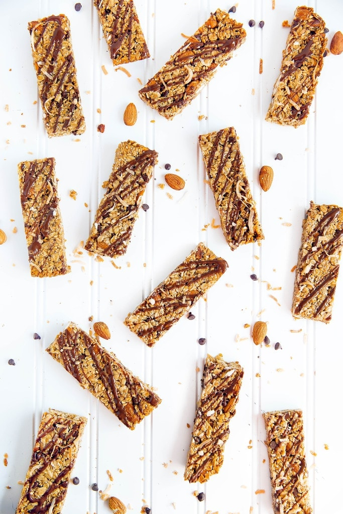 Coconut, almonds, and chocolate come together in these health-packed Almond Joy Granola Bars! Gluten free, refined-sugar free, and loaded with flax and chia seeds.