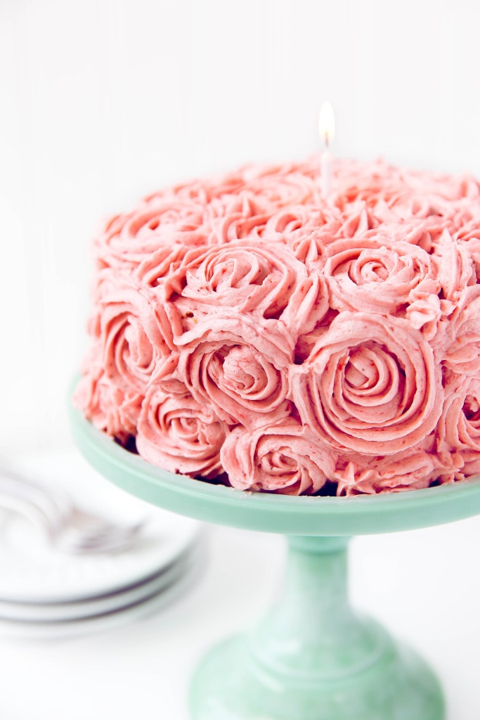 Almond Strawberry Cake with Strawberry Buttercream