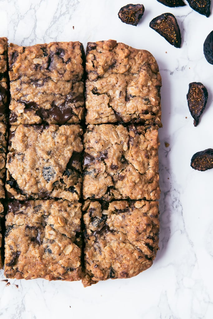 sliced Fig and Dark Chocolate Oatmeal Bars