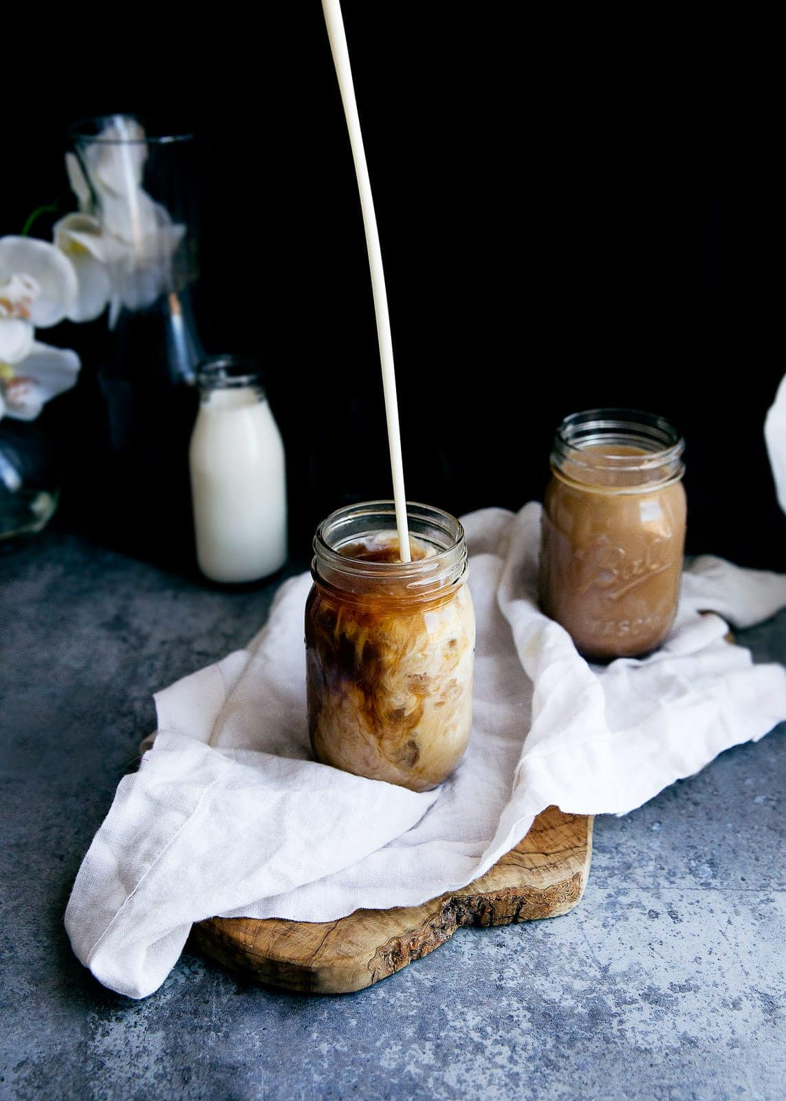 Forget $4 iced coffees. Here's the ultimate Cold Brew Coffee recipe you can easily make at home!
