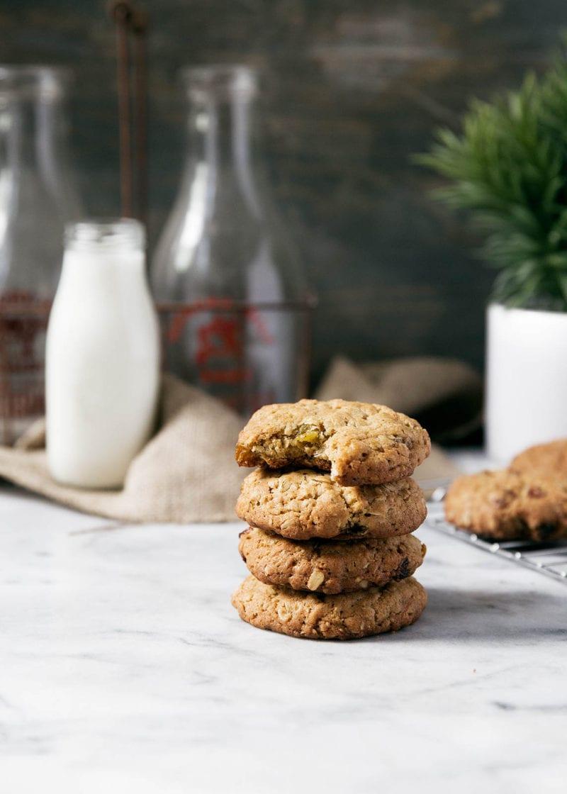 Golden Raisin Cardamom Oatmeal Cookies - Broma Bakery