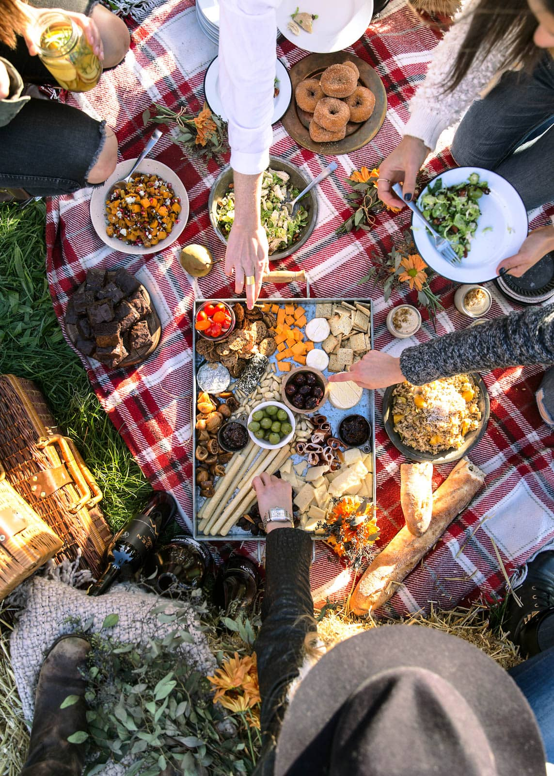 5 tips for hosting a Friendsgiving (with recipes!)