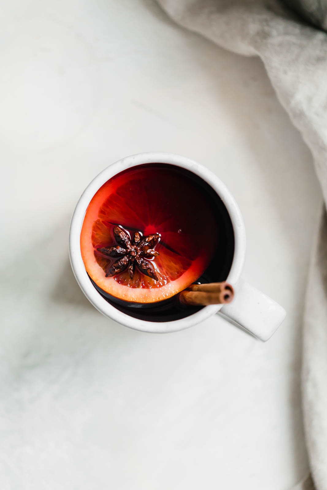 A super easy Mulled Wine that takes 5 minutes to put together. Perfect for your next holiday party or family gathering!