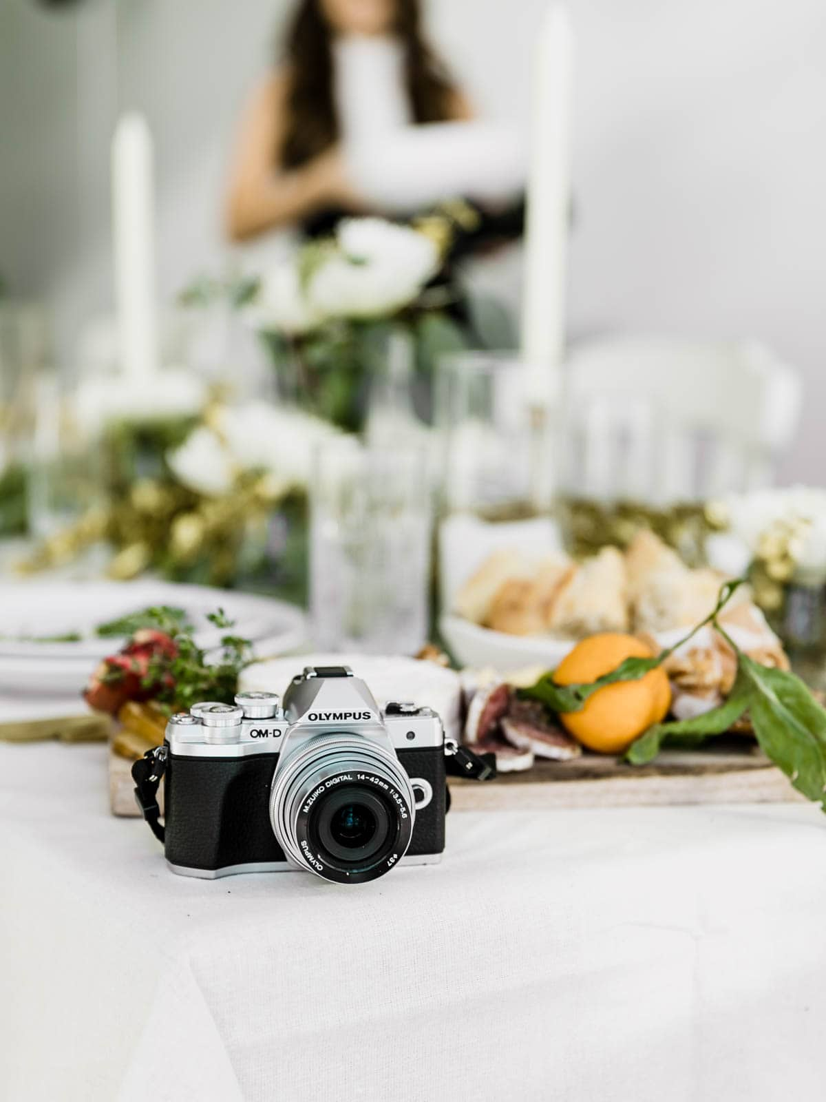 If you didn't Insta it, did it even happen? Here are my top tips for throwing an Instagram Worthy Dinner Party that will have your guests snapping errything