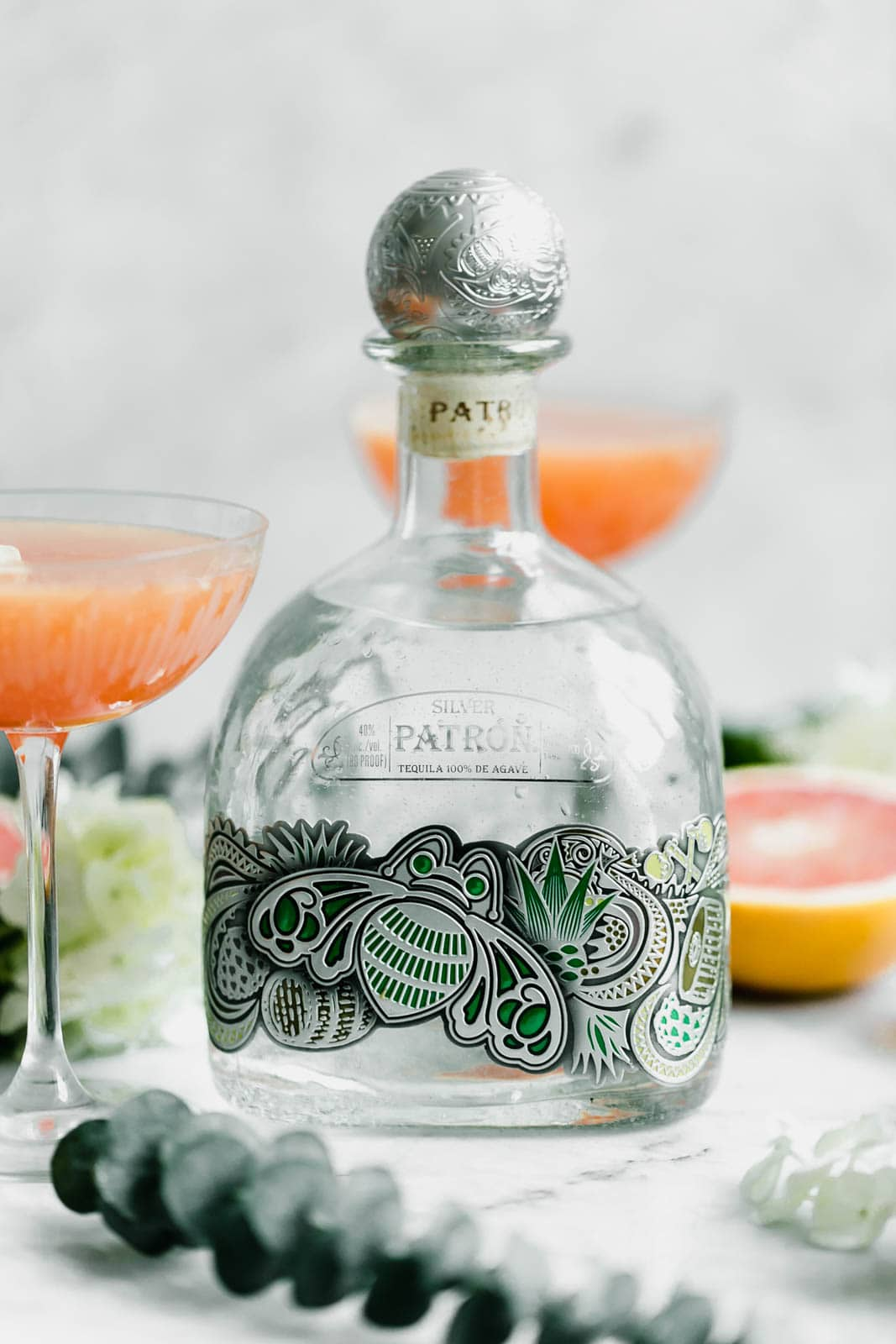 This 3-ingredient Paloma Fizz is made from sparkling grapefuit soda, lime, and silver tequila, and is best enjoyed with friends :)