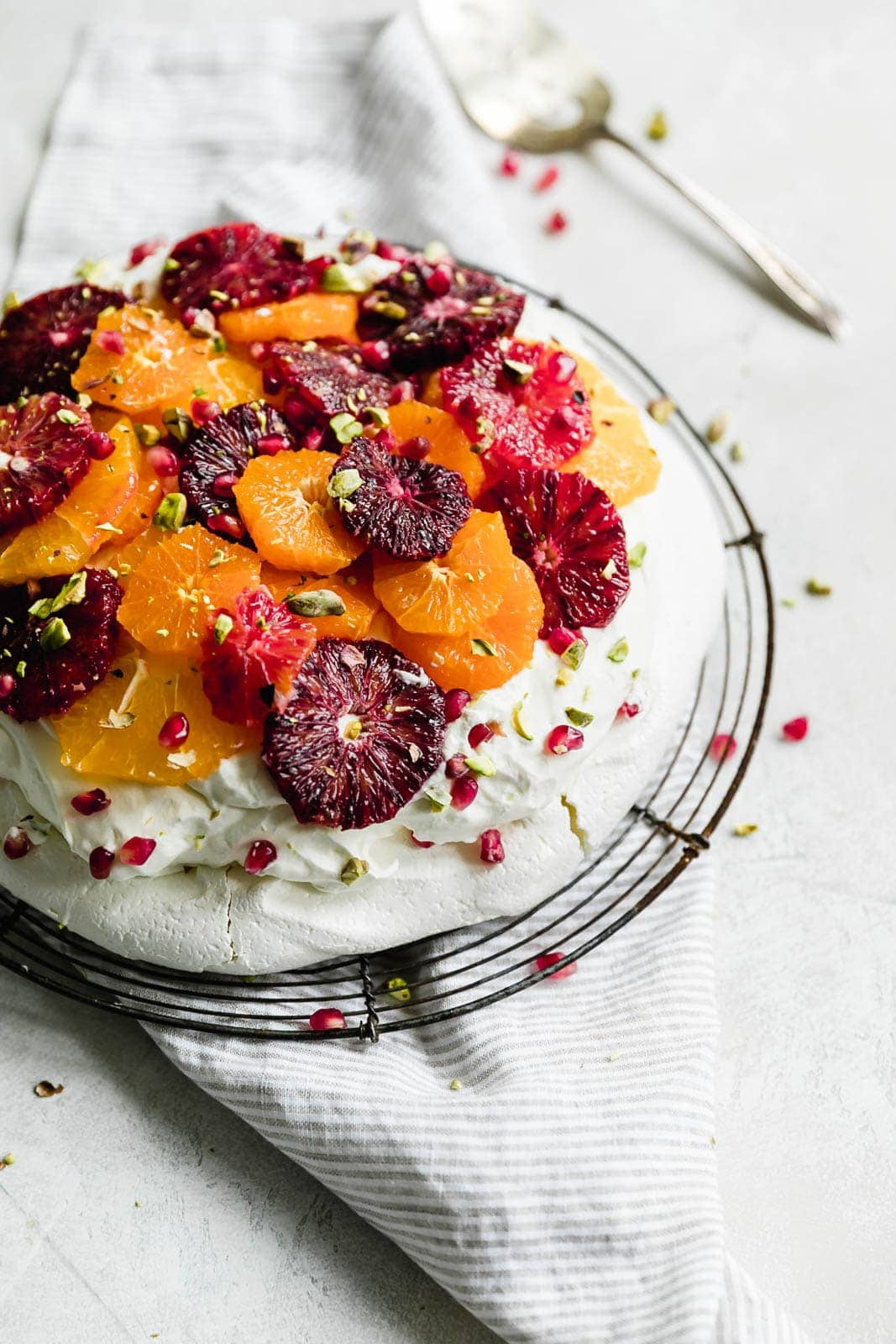 citrus pavlova cake