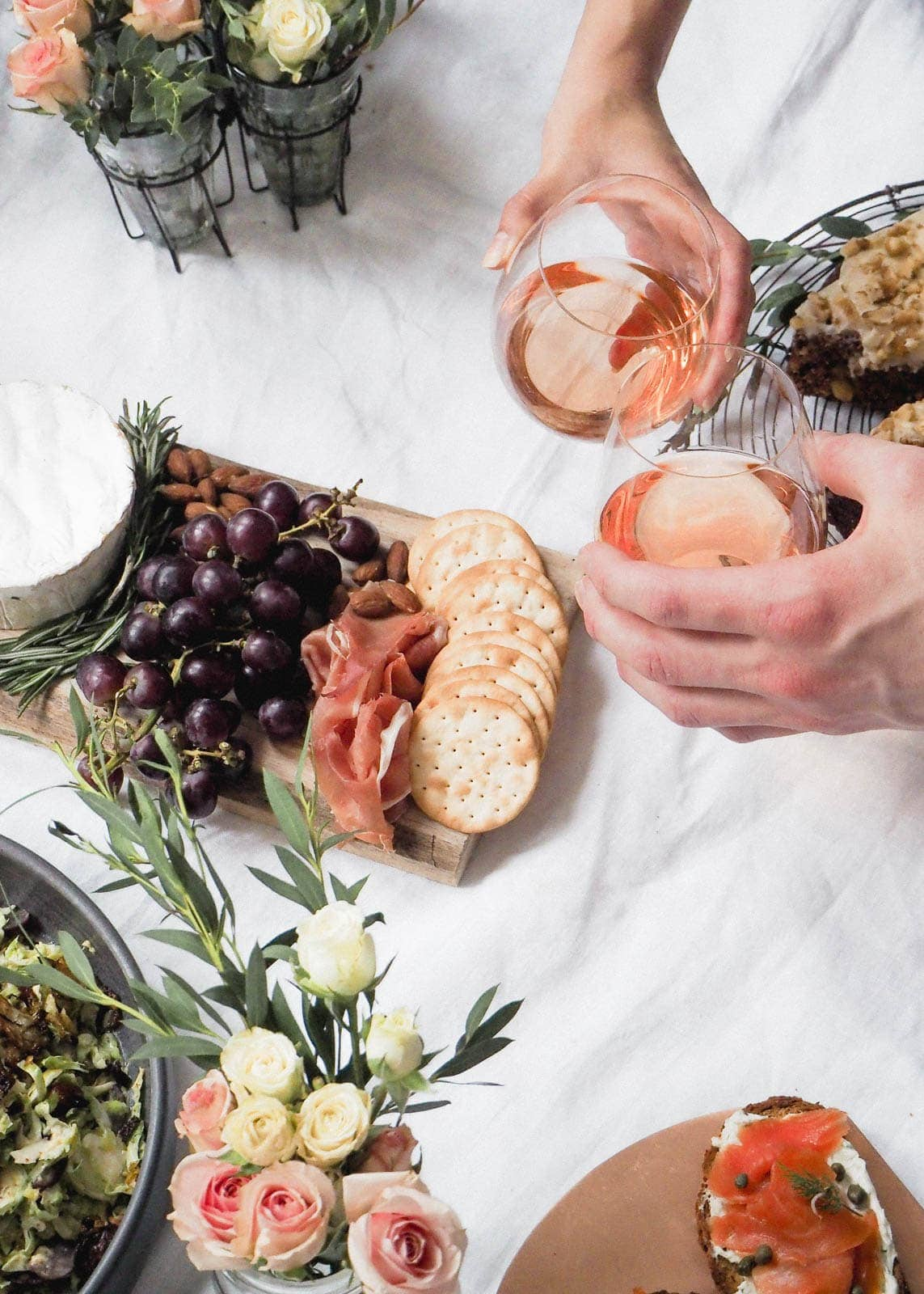 Indoor Picknick 5 steps to create the indoor picnic date with recipes