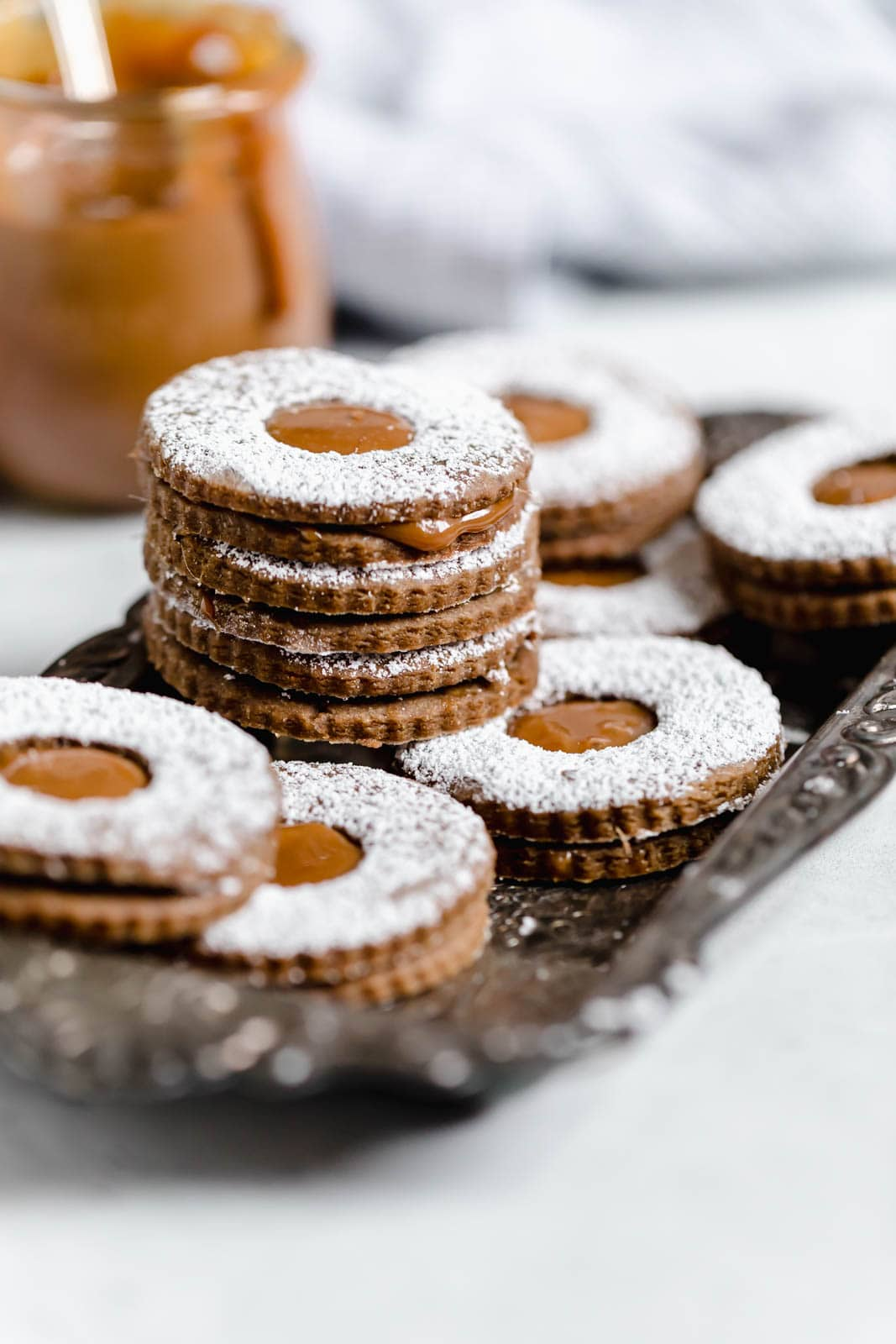 Gingerbread Linzer Cookies with dulce de leche filling