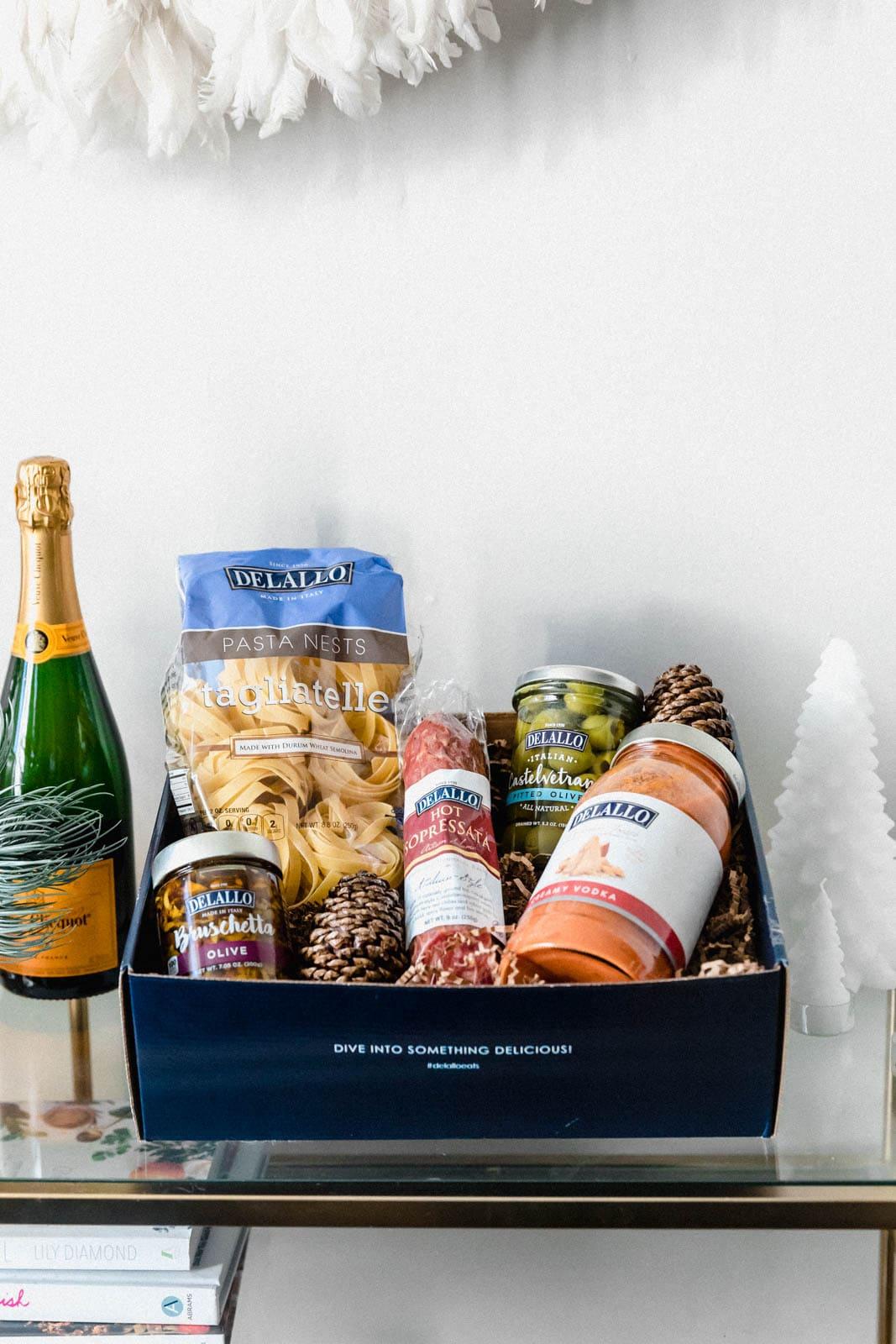 DeLallo Holiday Box