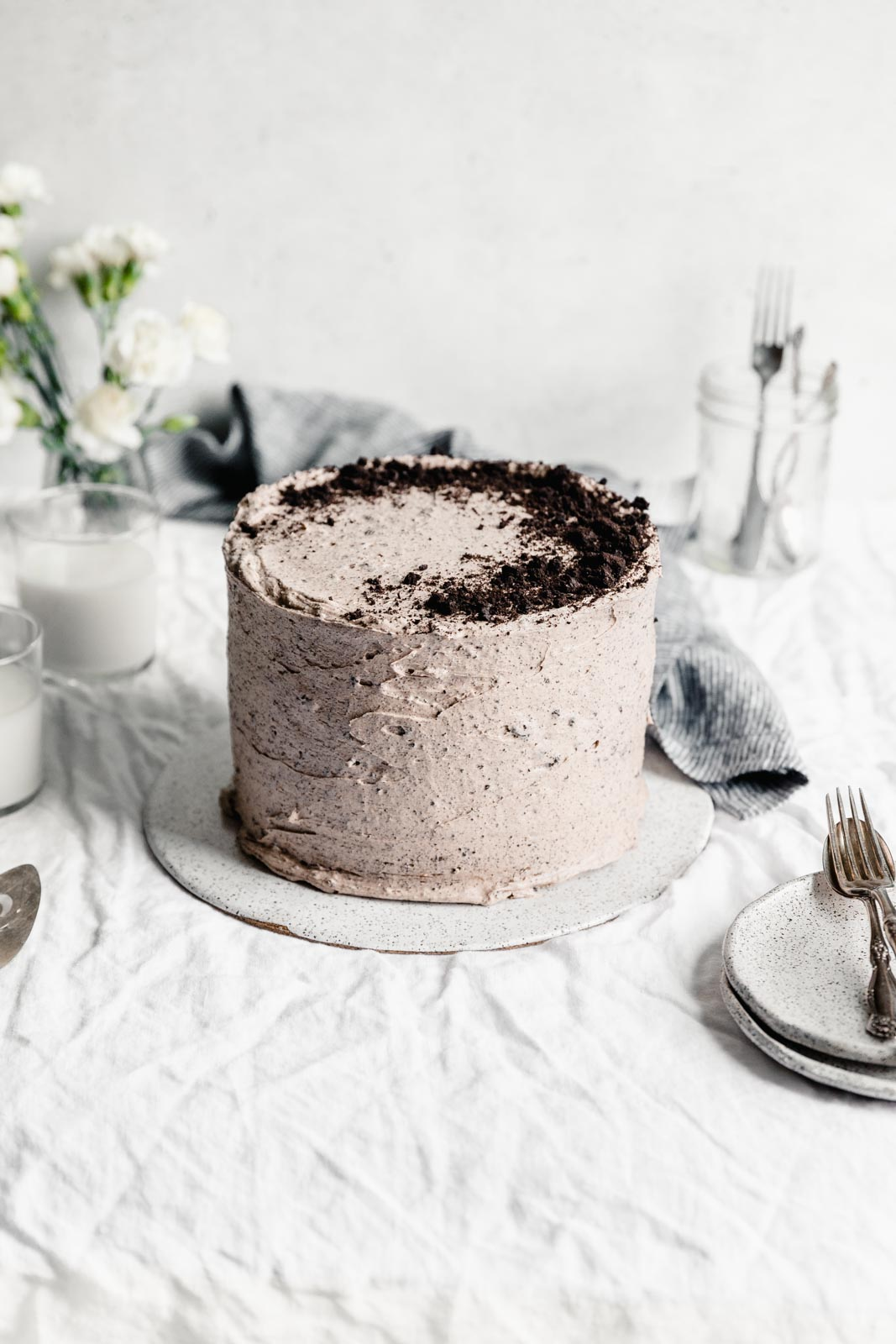 oreo layer cake with oreo buttercream frosting