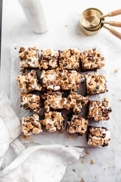 Thick fudgy brownies topped wtih marshmallows, chocolate, and peanuts. All the flavors of old fashioned rocky road ice cream in our favorite form: brownie.