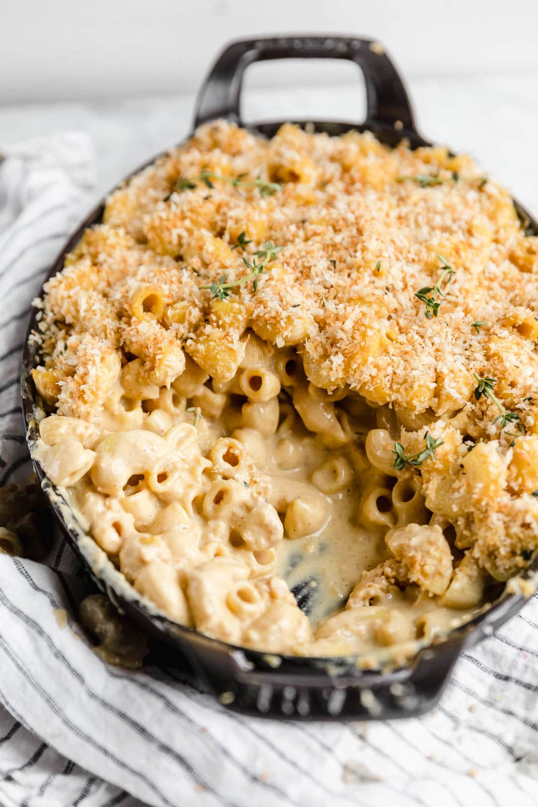 An epic Vegan Mac and Cheese that will have even the most discerning meat eaters will go crazy for! Made with a creamy cashew cheese sauce.