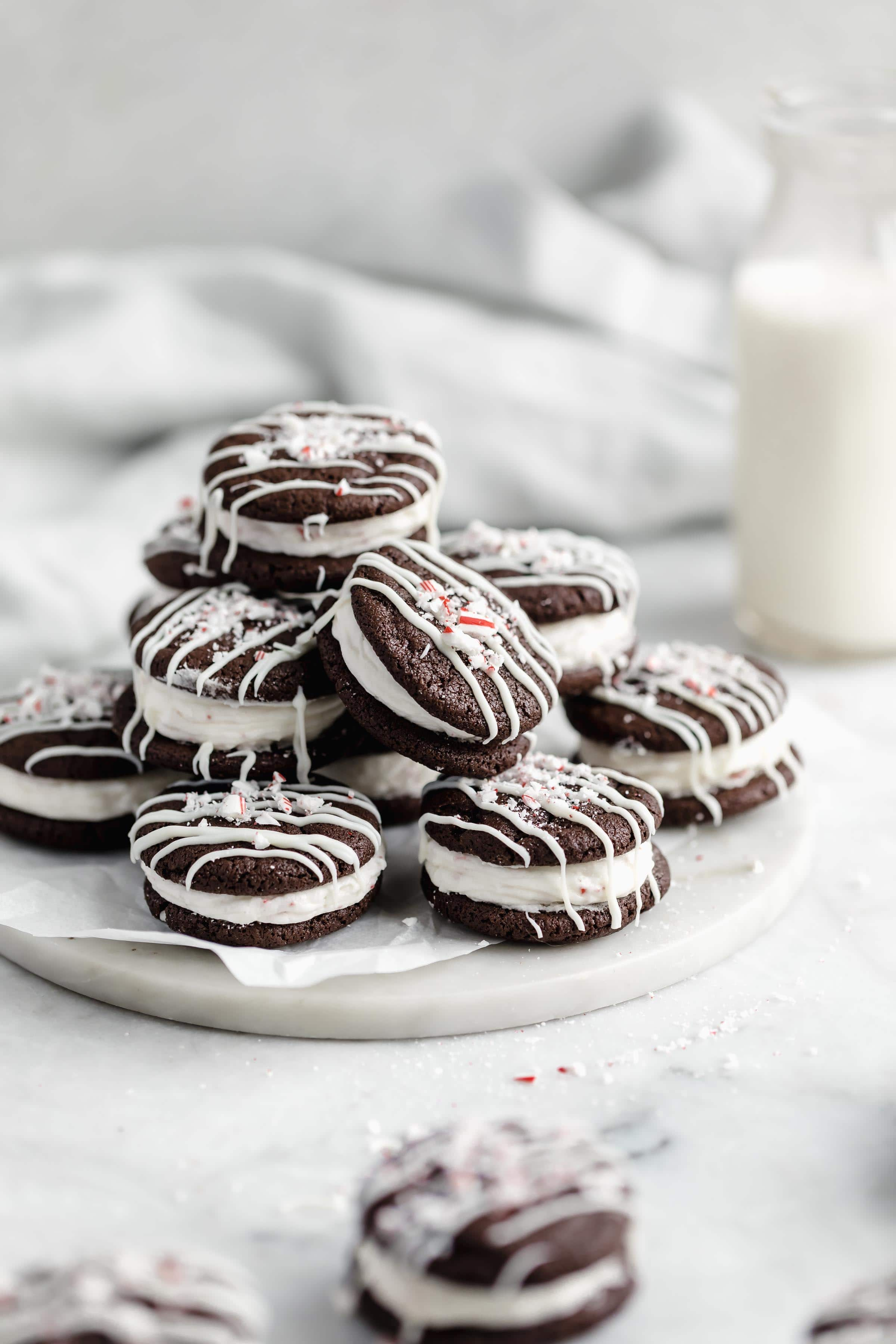 Happy Christmas Cookie season, babes! Whip up these delicious chocolate peppermint sandwich cookies for your next cookie exchange!