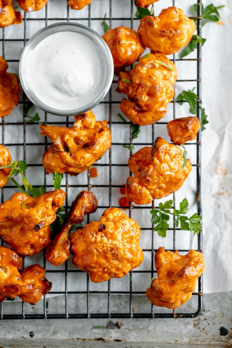 whip up these baked buffalo cauliflower bites for game day!