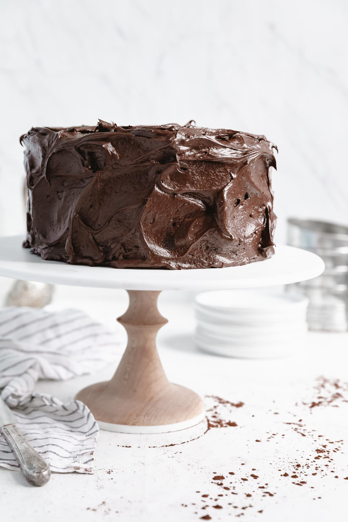 chocolate cake with fluffy chocolate buttercream