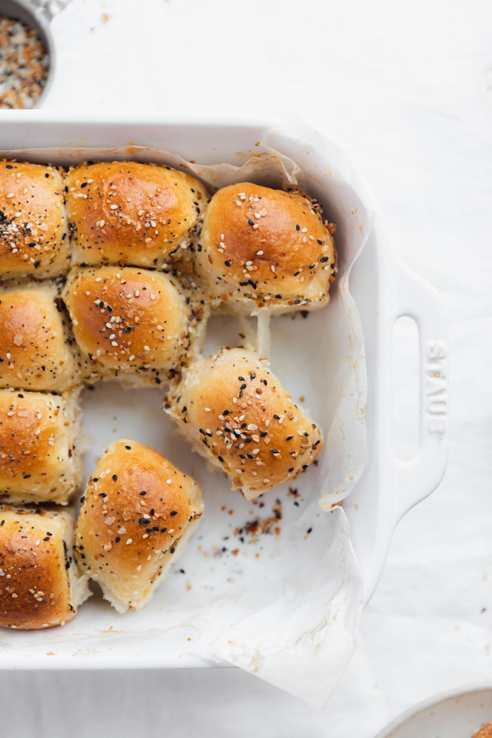 everything parker house rolls with seasoning