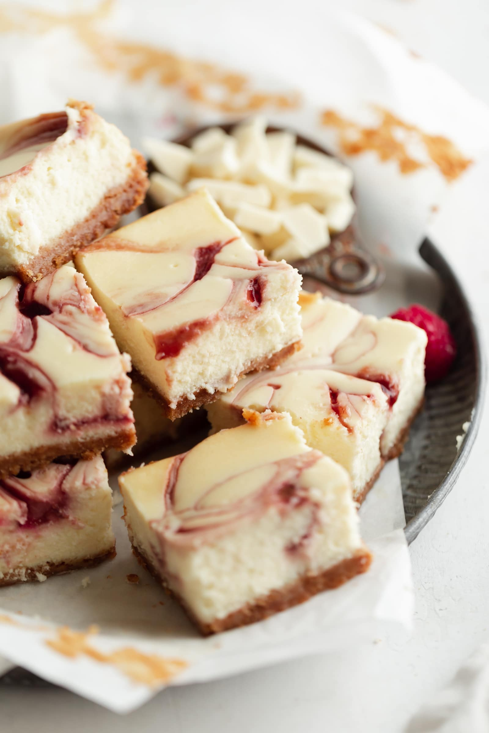 white chocolate raspberry cheesecake squares