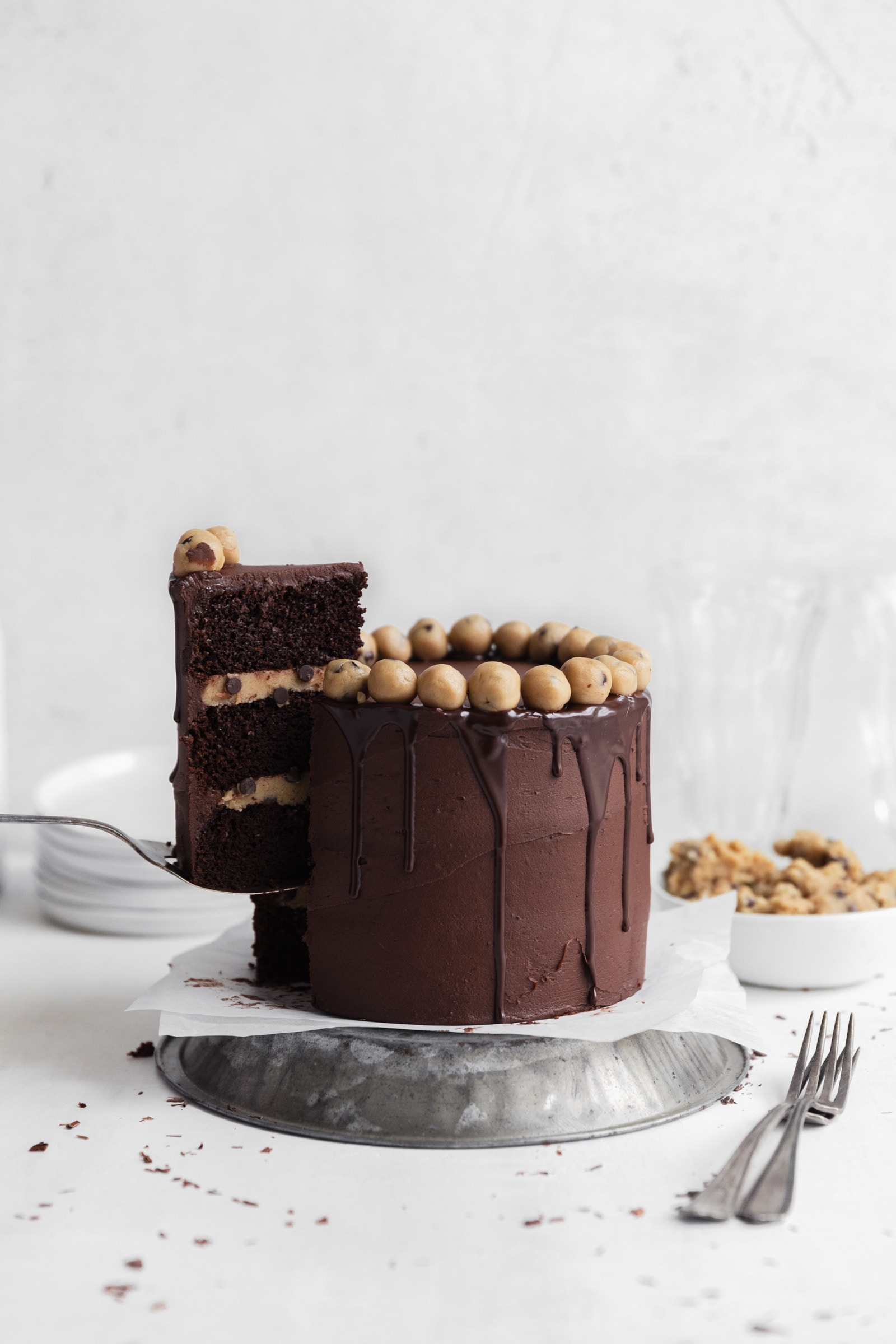 chocolate cookie dough cake
