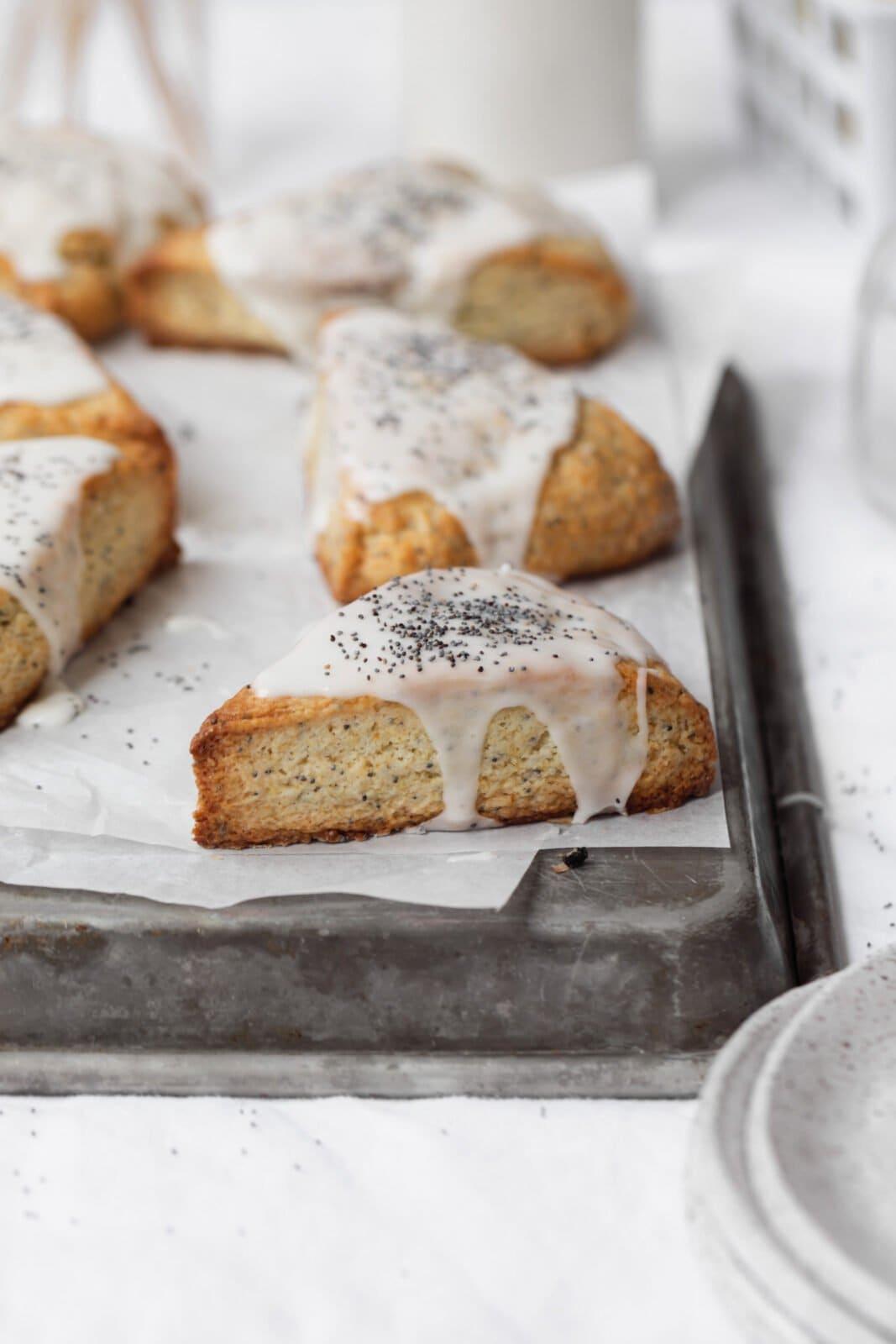 lemon poppyseed scones with lemon frosting