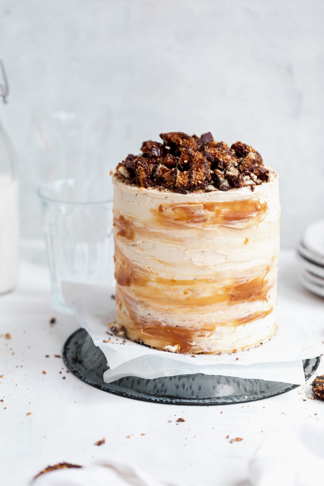 samoa chocolate cake with caramel coconut frosting