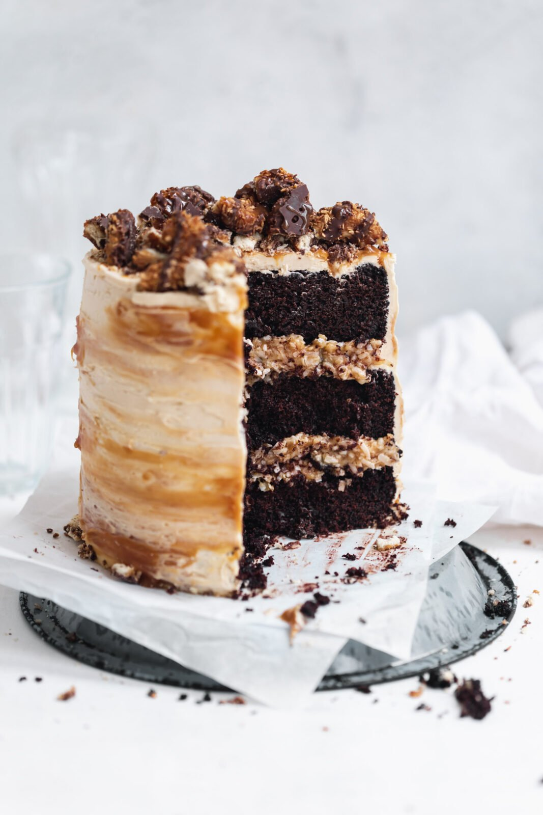 samoa cake with coconut caramel filling