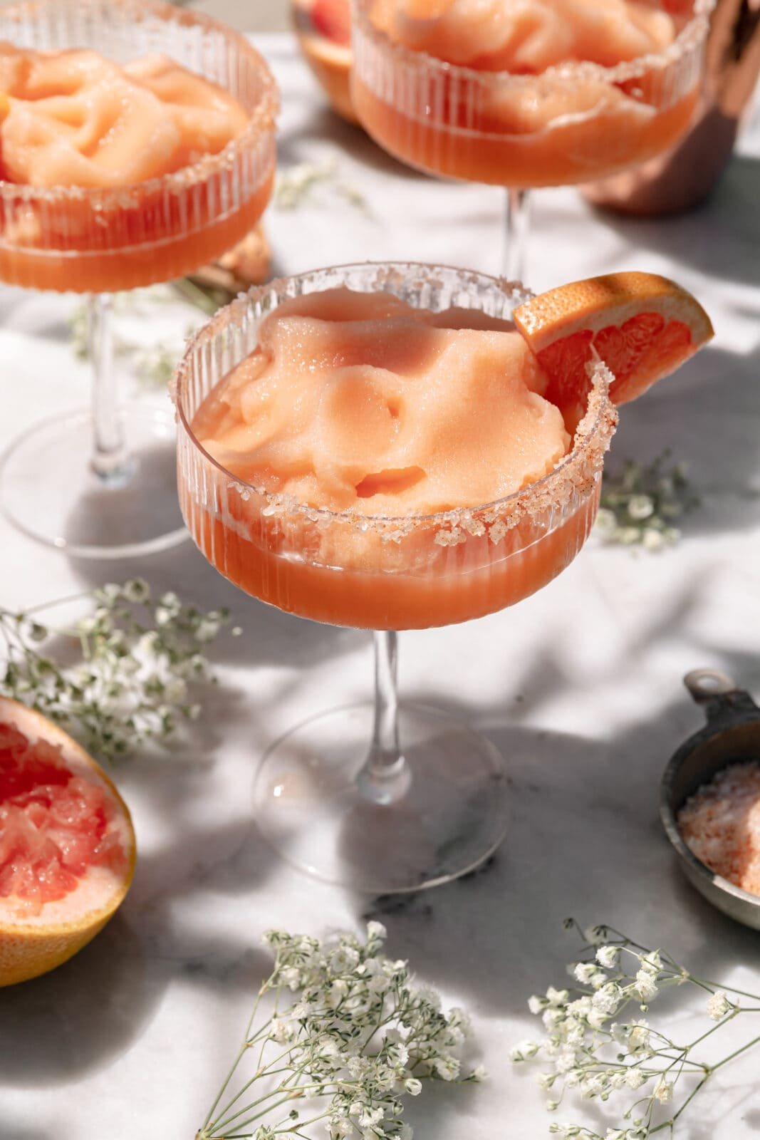 frozen paloma with grapefruit slice