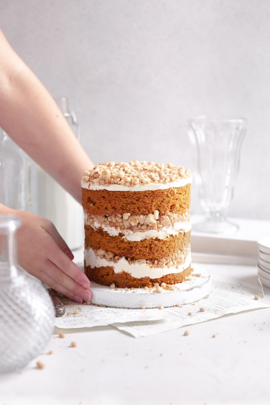 pumpkin streusel cake with cream cheese frosting
